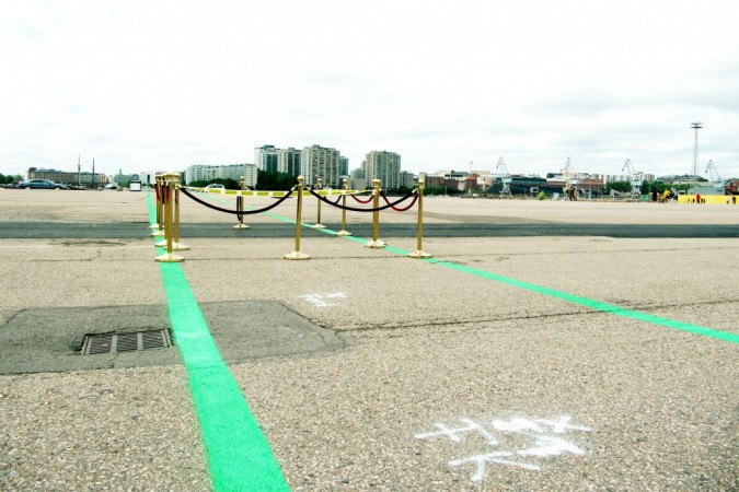 In 2010 an open shore route for pedestrians and cyclists was opened in Kalasatama